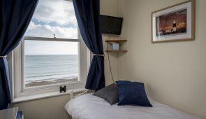 Single en-suite room with seaview (Aquapurse)