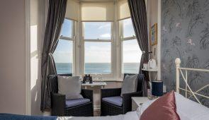 Double en-suite room with seaview (Flamma)